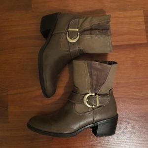 Life Stride Brown & Tan Boots size 6.5